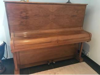 Licht bruine Hoffmann piano