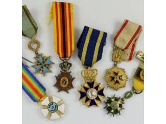 Militaire eretekens en andere medailles te koop