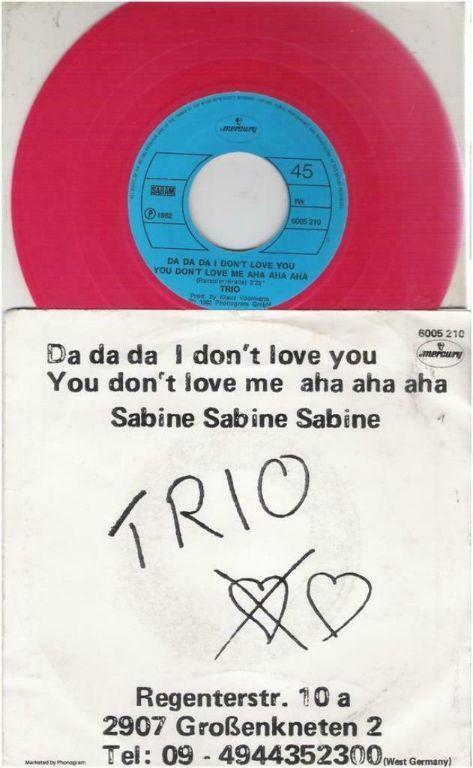 """TRIO: """"Da da da I don't love you You don't love me aha aha aha"""""""