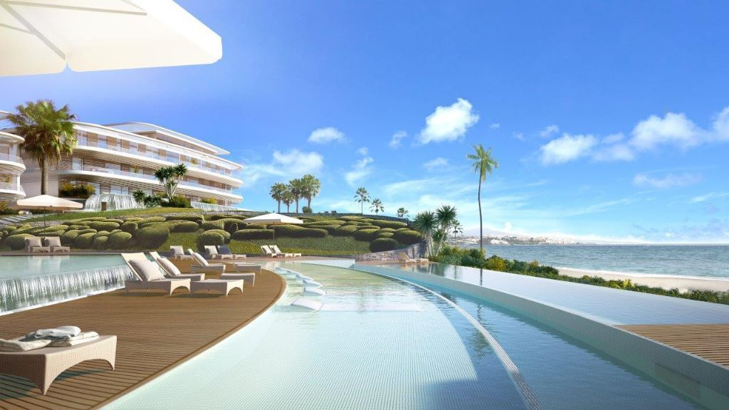 Eerste lijn strand moderne appartementen en villa?s in Estepona