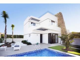 Half- vrijstaande villa?s in Villamartin Orihuela Costa