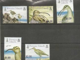 postzegels uit Pitcairn Island met vogels