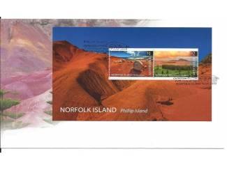 minisheet uit 2019 Norfolk Island met landschappen