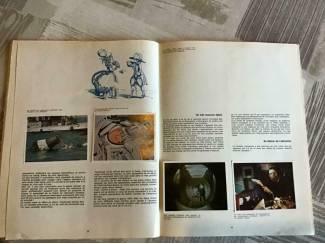 Overige Boeken en Diversen 3 BOEKEN ; LA GEOGRAPHIE de L'AMERIQUE & de L'ESPACE