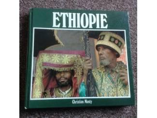 Reisboeken Boek i/h frans geschreven van ethiopie livre écrit en français