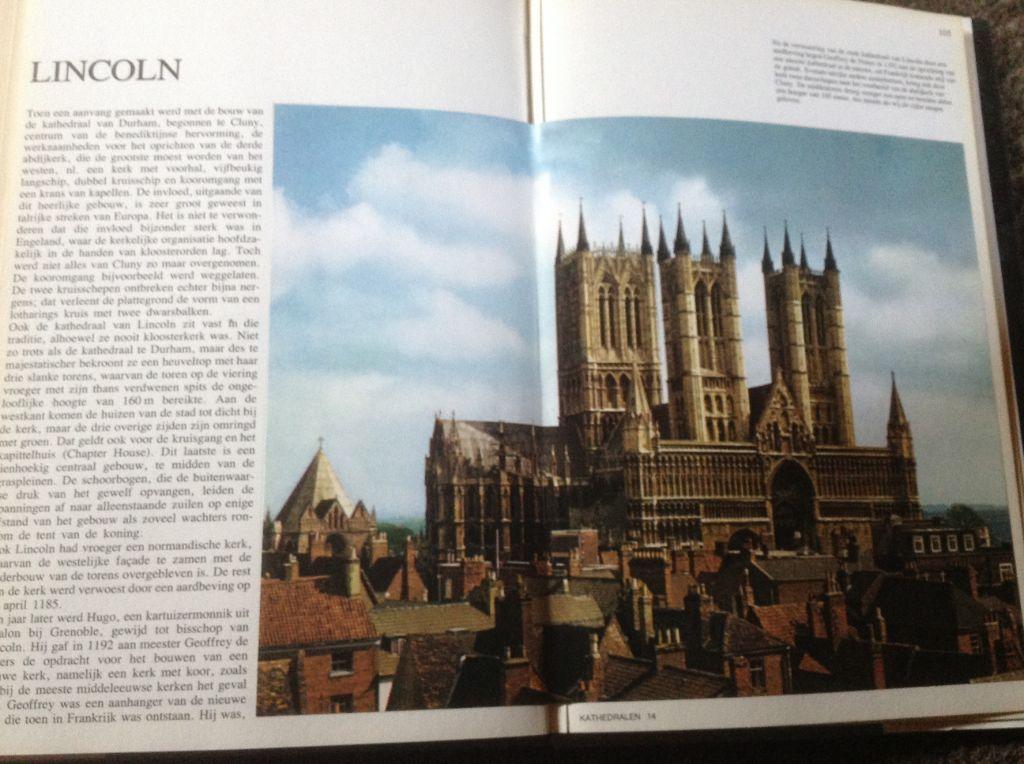 Boek v.Kathedralen,prachtige kerken cathédrales,de belles églis