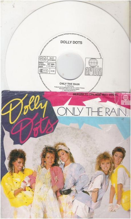"""DOLLY DOTS: """"Only the rain"""" - NEDERPOPTOPPER!"""