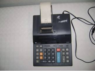 Rekenmachine van merk TA Thrium PH-ADLER type 8600 HD.