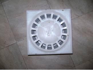 Doe-het-zelf en Verbouw Klokrooster in kunststof   afmeting : 20 x 20 cm.