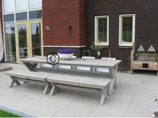 Steigerhout tuintafel met kruispoot model Ron