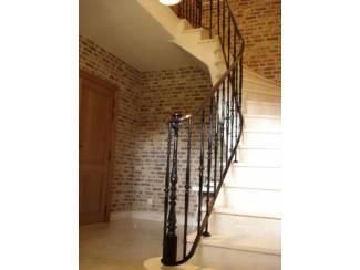 smeedijzeren leuningen op bestaande trappen