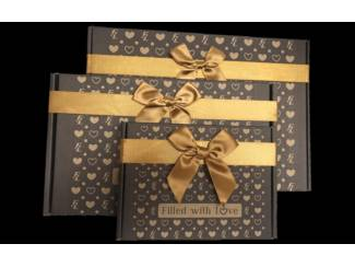 Restaurants en Cateraars Moederdag cadeautip giftbox met zoetigheden audioboodschap.