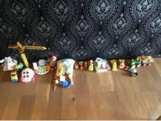 doos met speelgoed